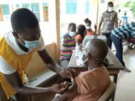 Hon. Thomas Moore Zonyrah receives covid-19 vaccine